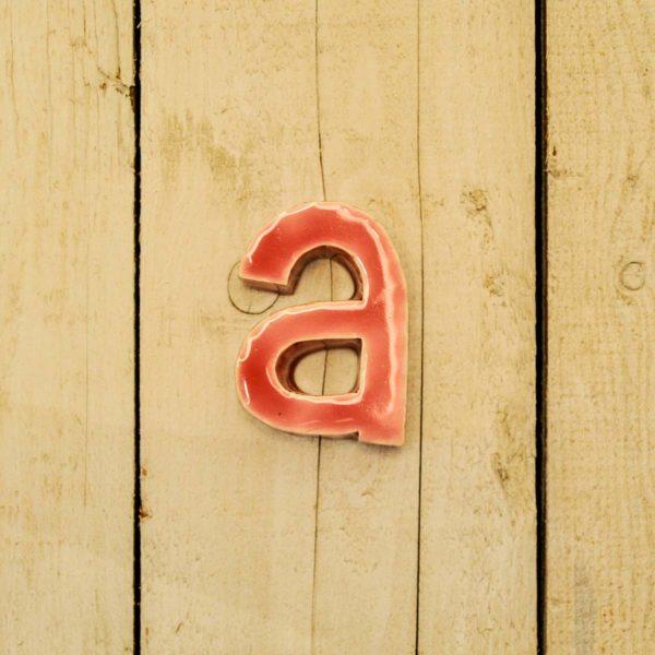 Lettera Minuscola 'A' Fucsia