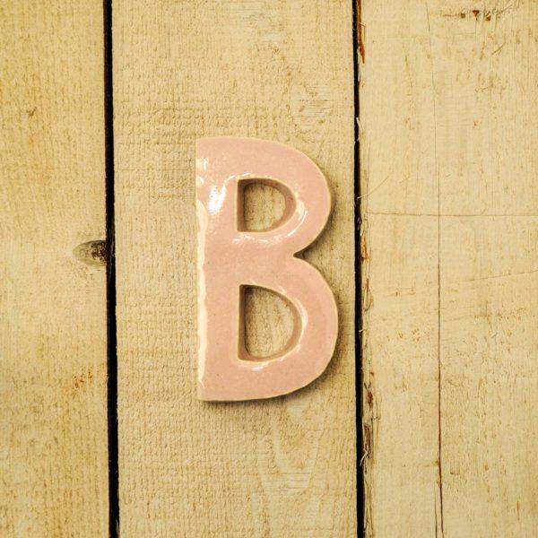 Lettera Maiuscola 'B' Rosa