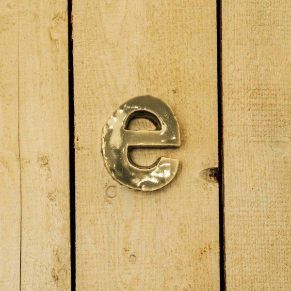 Lettera Minuscola 'E' Grigia