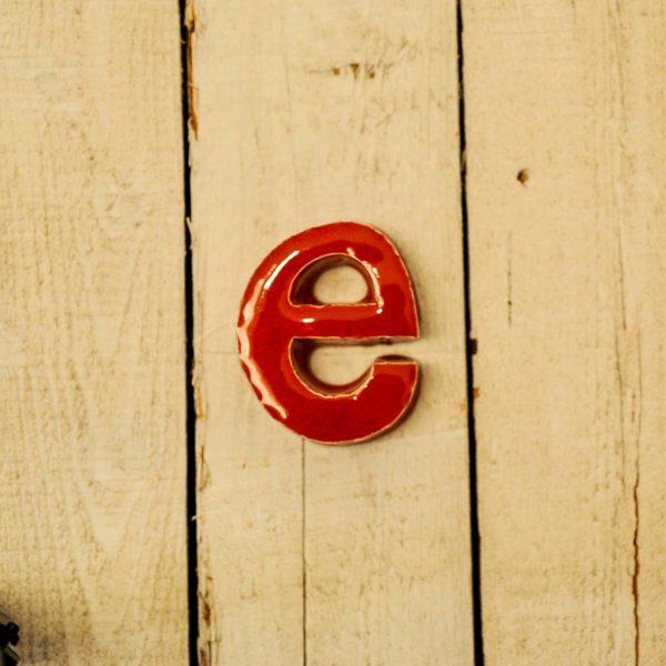 Lettera Minuscola 'E' Rosso