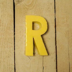 Lettera Maiuscola 'R' Gialla 1