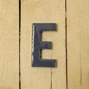 Lettera Maiuscola 'E' Blu 1