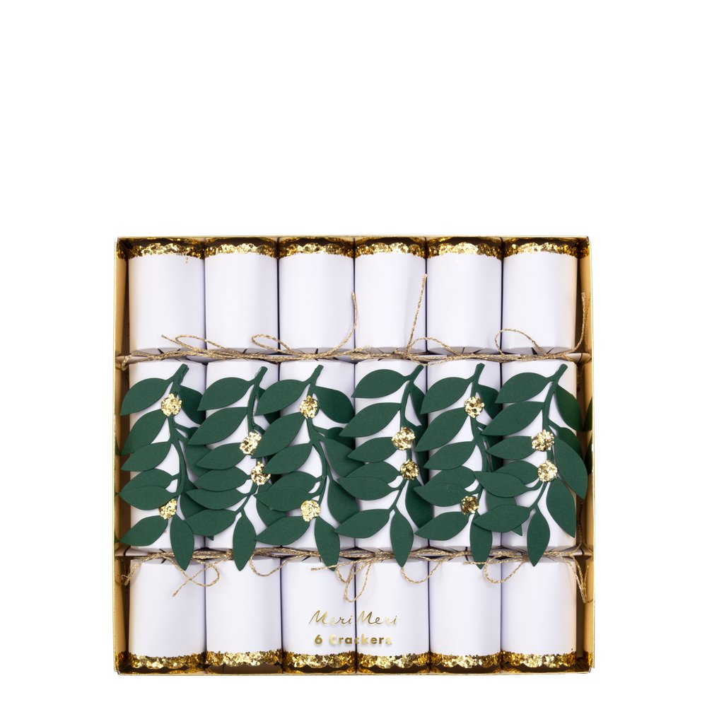 Cracker Festive Foliage Medium